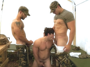Muscle military threesome and cumshot