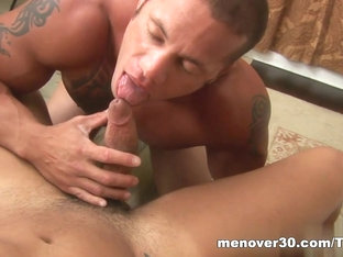 MenOver30 Video: Menage a Trey