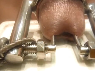 cum-hole stretcher