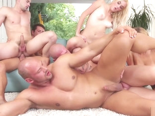 Handsome studs enjoy bisexual orgy