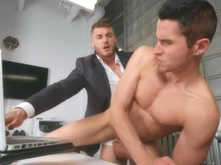William Seed & Killiam Wesker in Work Fuck - MenNetwork