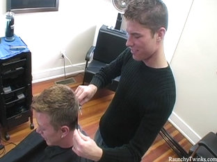 RaunchyTwinks Video: Naughty hairdresser gets blown