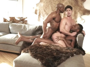 HUNKS WAKEUP THREESOME