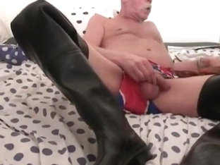 nlboots - wanking in waders on bed, fart...