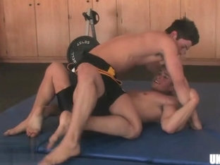 Hot gay oral with cumshot