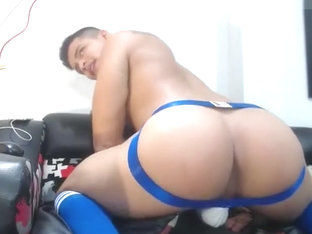 Hot Colombian papi solo