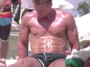 BLOND MUSCLE BEACH