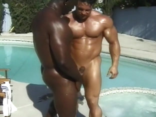 Muscle Bound Gays Fuck in the Hot Tub