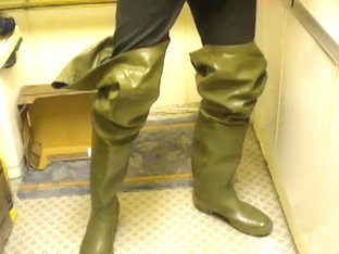 nlboots - rotten cebo waders, piss
