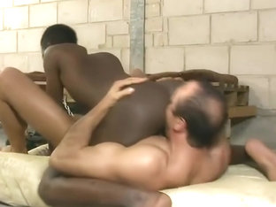 Black boy fucks hot muscle daddy in prison