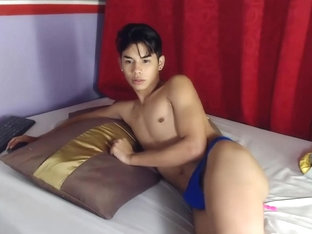 Pretty Colombian Boy Cums