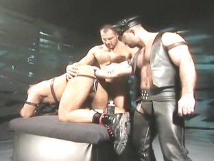 Leather Fuck & Fist Three-way: Arpad Miklos, Alex Baresi & Butch Grand