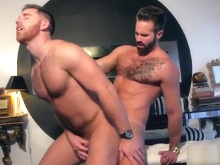 Muscle son flip flop with cumshot