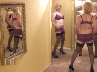 CD in pantyhose and lingerie