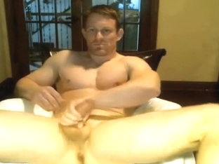 hunky dilf on webcam