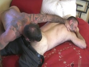Daddies fuck outside