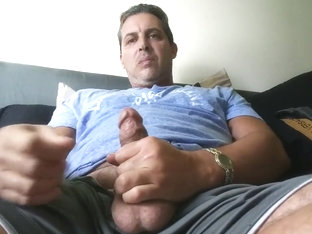 XXX Celebrity Leak HOT DADDY CORY BERNSTEIN TASTES HIS HOT CUM