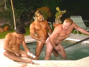 Three Men Have Awesome Fuck In The Pool