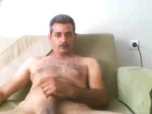 Arabian handsome daddy on webcam