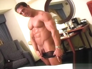 Antonio Muscle Worship