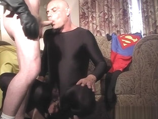 Robin fucks superman in the living room - Pig Daddy Productions all