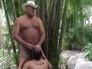 Cowboy mandy gets an oral pleasure outdoors